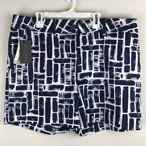 NWT The Limited Tailored Short Navy Blue 14 E163